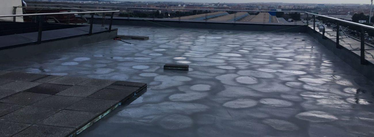 Impermeabilización con poliurea en cubierta de Edificio de Administracion de Mercamadrid