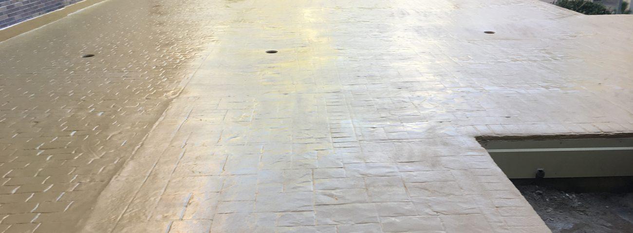 Impermeabilizacion con poliurea en patio comunitario