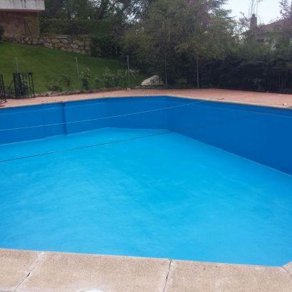Impermeabilización de piscina comunitaria con poliurea en Robledo de Chavela Madrid.